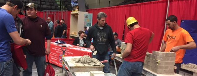 Construction Careers Job Fair Draws Hundreds of Students